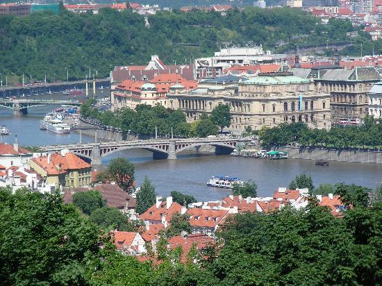 Praha, Republik Ceko: PRAGUE VIEW FROM ABOVE