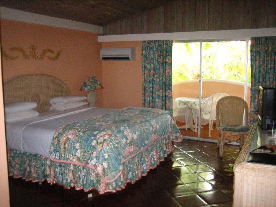 Coco Reef Tobago: room