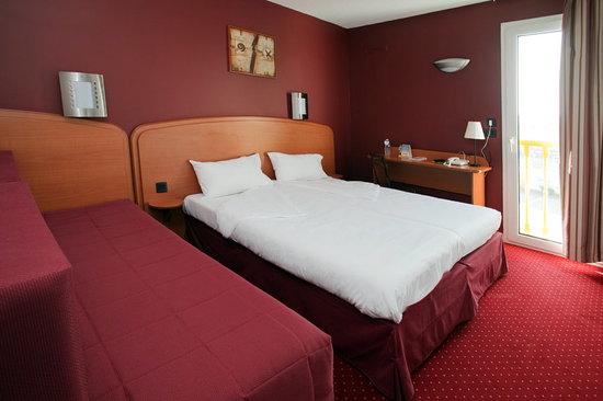 Comfort Hotel Goussainville: Chambre Triple