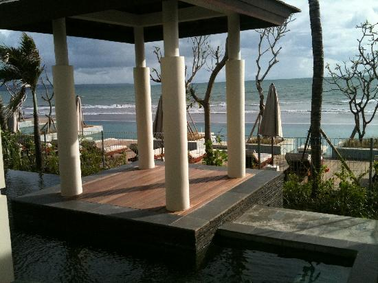 The Seminyak Beach Resort & Spa: View out to the beach