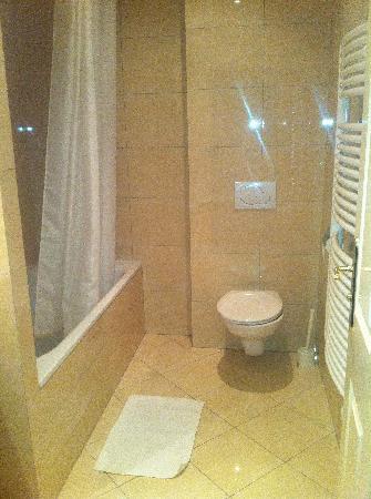 Angelis: bath room