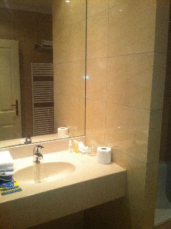 Angelis: bath room 2