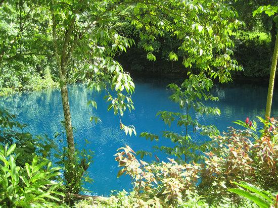 Espíritu Santo, Vanuatu: Matevulu blue hole