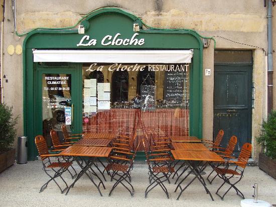 Metz, France : Un café place de chambre