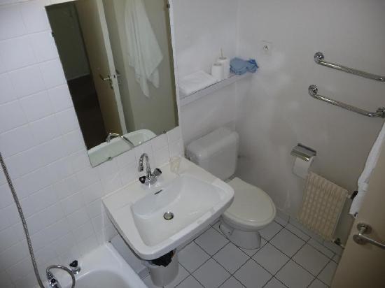 Les Villages Clubs du Soleil : salle de bain 2
