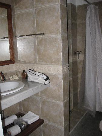 Ayres Hotel: Bathroom