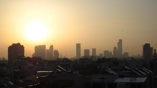 Shalom Hotel & Relax Tel Aviv - an Atlas Boutique Hotel : Skyline over TLV