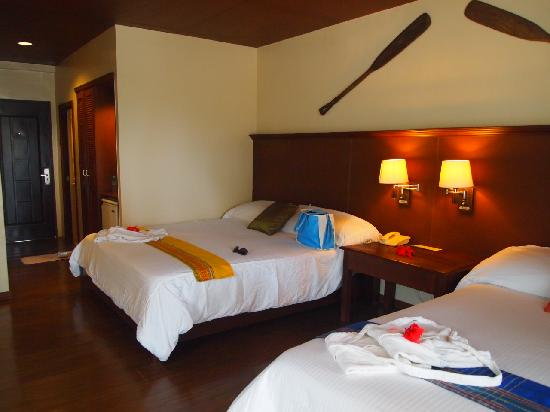 Dos Palmas Island Resort & Spa : our clean and spartan room