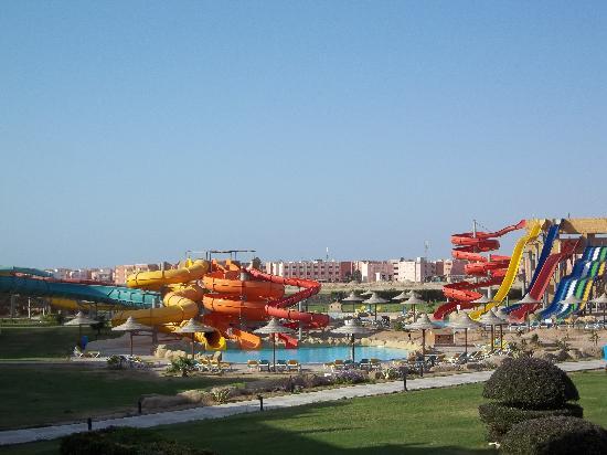 Tirana Aqua Park Resort: slides