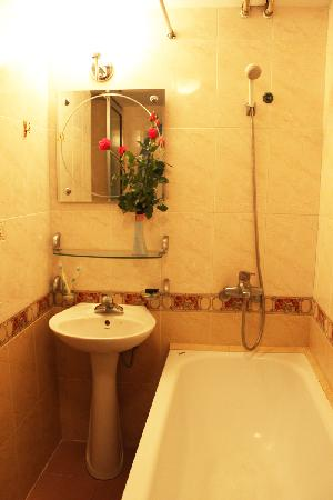 Stars Hotel: Bathroom
