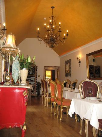 Meejana: The main dining room