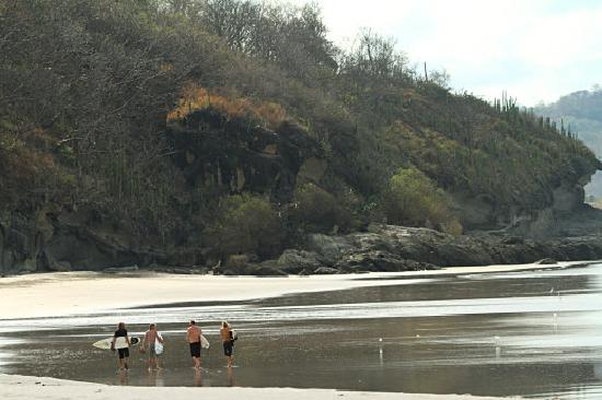 Dale Dagger Surf Lodge: Beach shot