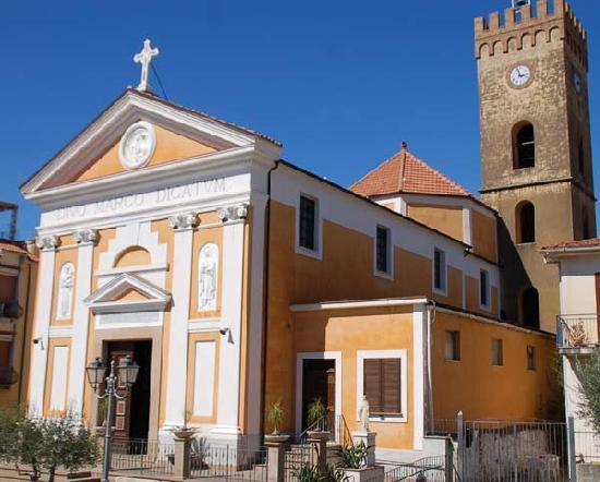 Restaurant K: L'église près du resto