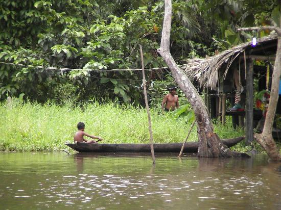Orinoco River: Einheimischer im Einboot