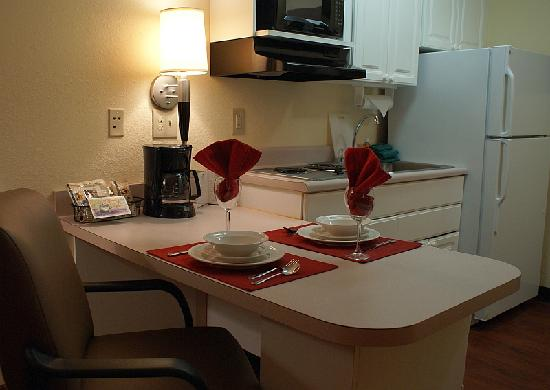 Anderson Extended Stay Hotel : Fully Equipped Kitchens in Every Suite!