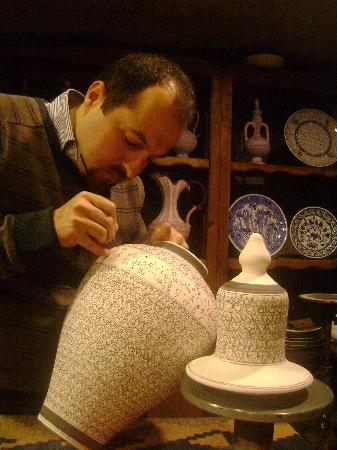 Sultans Ceramic: Rizgar Master Drawing Vase
