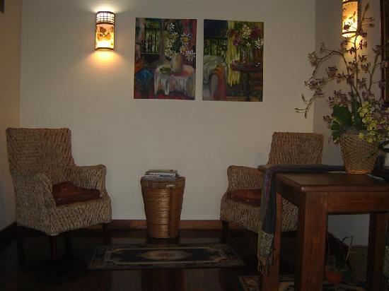 Hotel Casa Marta: foyer seating
