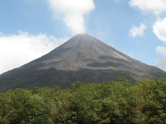 Arenal Volcano, One Day Tour by Ecoaventura