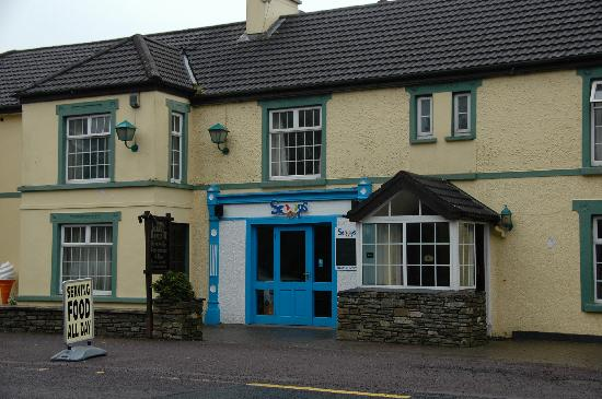 Ouvane Falls Inn: Der Pub - unscheinbar.