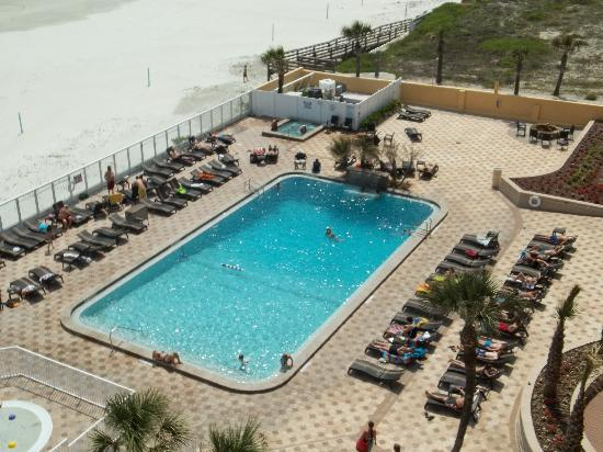 Holiday Inn Resort Daytona Beach Oceanfront: pool from 7th floor