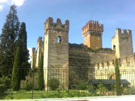 Relais agli Olivi: Lazise il castello