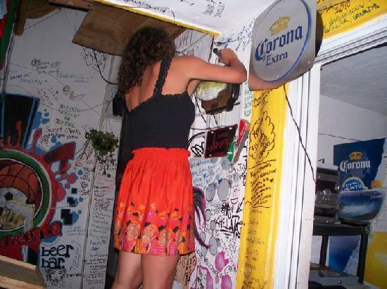 Barchelata beer bar : Write on their wall!