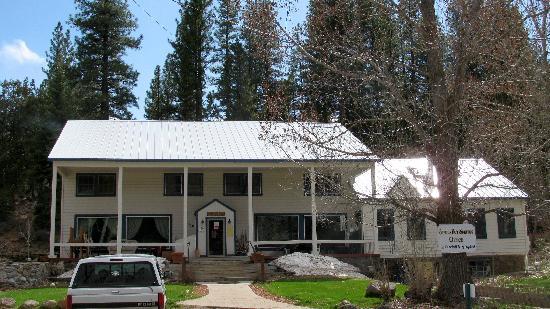 Sierra Hot Springs Resort & Retreat Center: The Sierra Valley