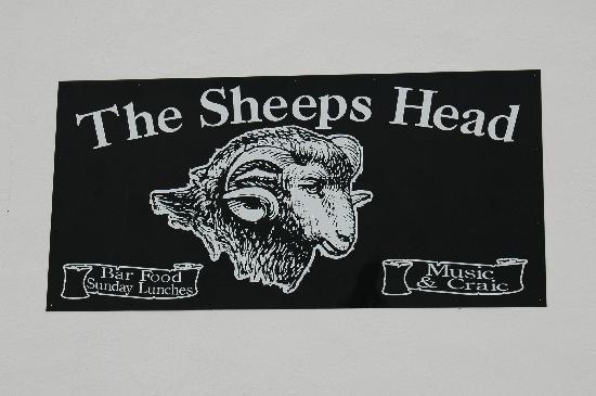 The Sheeps Head Inn: Das Symbol des Pubs.