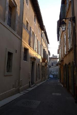 Hotel De L'Amphitheatre: La rue de l'Hôtel