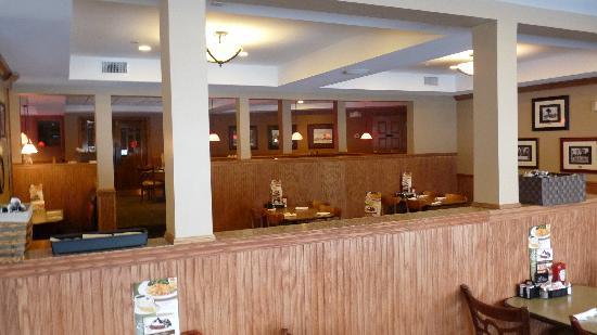 Perkins Restaurant & Bakery: Dining Room