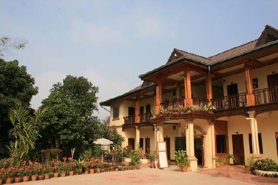Thoulasith Guesthouse: Hotel von aussen