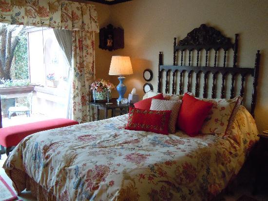 Lantern Light Inn Bed and Breakfast : my room