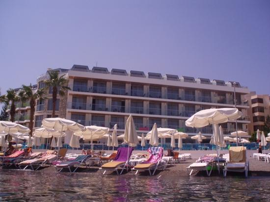 Hotel Marbella: picture of the marbella from the sea