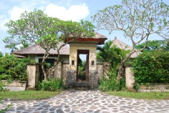 Balivillas.com Estate: Front Entrance