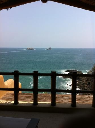 Cala de Mar Resort & Spa Ixtapa: view from the room