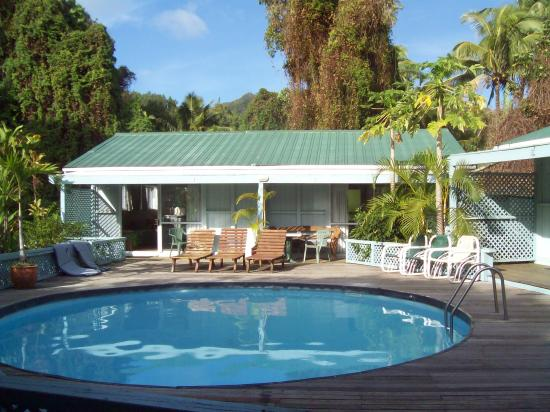 Airport Motel - Tiare Village: Pool units at Tiare Village