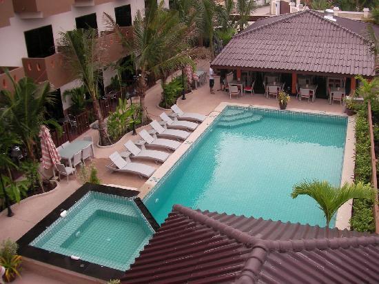 Cocco resort bewertungen fotos preisvergleich pattaya for Swimming pool preisvergleich