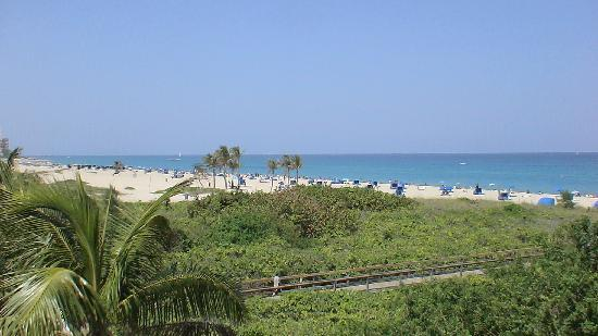 Palm Beach Shores, FL: our view from the balcony