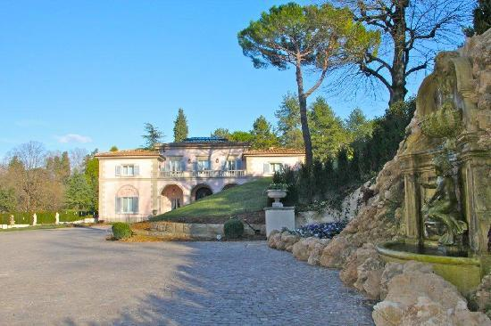 Villa Cora: esterno