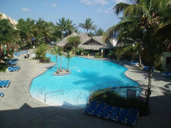 Casa Marina Beach Resort: 1 of 3 pools