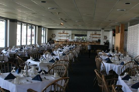 Boothbay Harbor Inn dining room