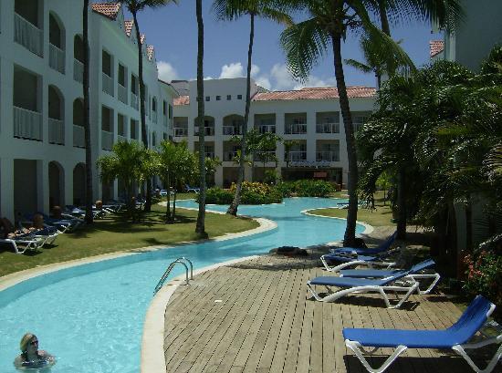 Be Live Collection Punta Cana: piscine du club caméléon