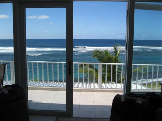 Villa Tropical Oceanfront Apartments on Shacks Beach: M4 view from inside