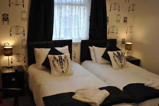 Alumhurst Hotel: Premier Super Kingsize Twin/Double Room (S)