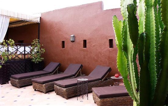 Riad Argan: Lounges on the terrace sun roof
