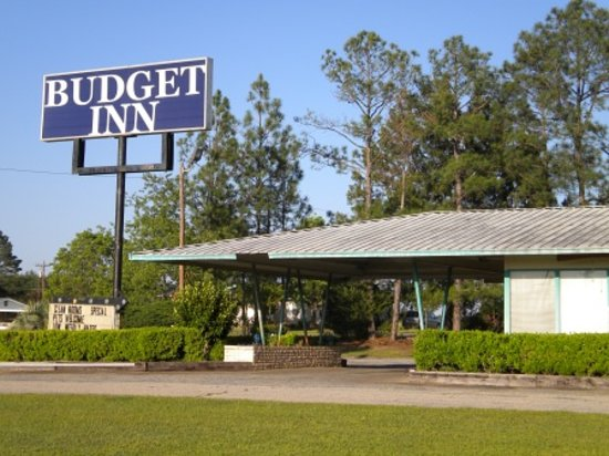 Budget Lakeview Inn: Exterior Building