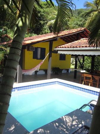 Pousada Oásis Ilha Grande: Vista da piscina