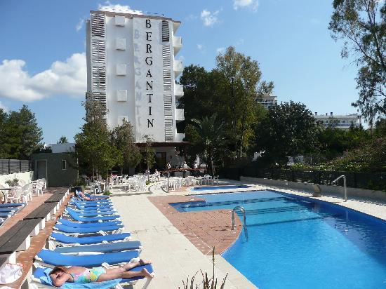 azuLine Hotel Bergantin : pool area