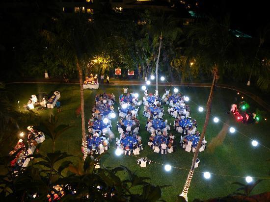 Barcelo Huatulco: Cena en patio
