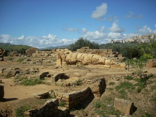 Tempio di Giove Olimpico: One of the Telamons used on pilasters.